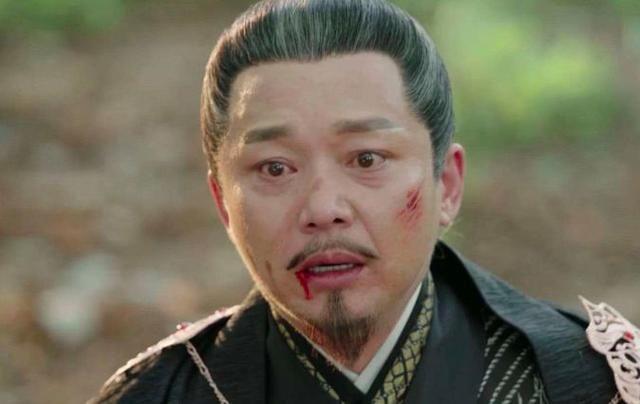 但是《琅琊榜》和《伪装者》播出之后,刘奕君俘获了一大批年轻观众的