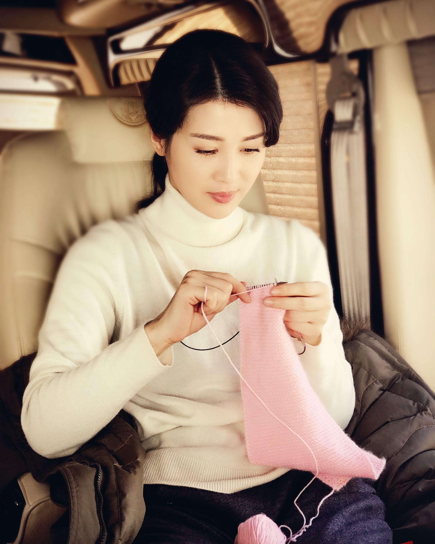 2011年主演电视剧《断刺》,获得第29届中国电视剧飞天奖优秀女演员抗日影视片演讲稿图片