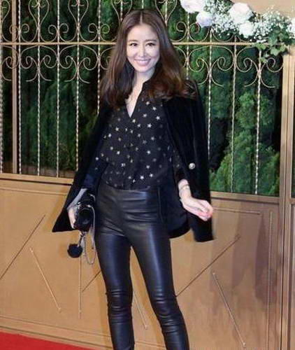 女明星穿皮裤谁最美?赵丽颖酷,李纹超性感,迪空间性感女郎qq图片