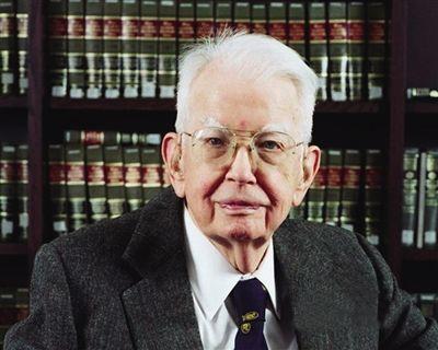 1990年诺贝尔经济学奖_【1992年诺贝尔经济学奖获得者加里·贝克尔】美国经济学家贝克尔...