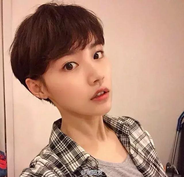 阶梯女短发发型图片图片