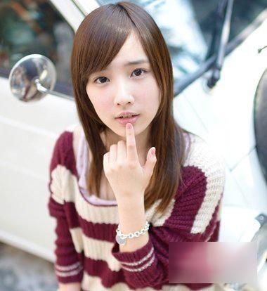 女学生斜刘海中长直发发型图片