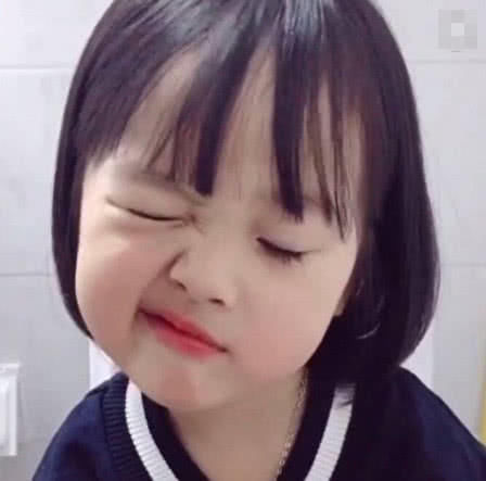 韩国最小网红权律二,无数人用她当头像,如今5捂脸动画表情图片图片