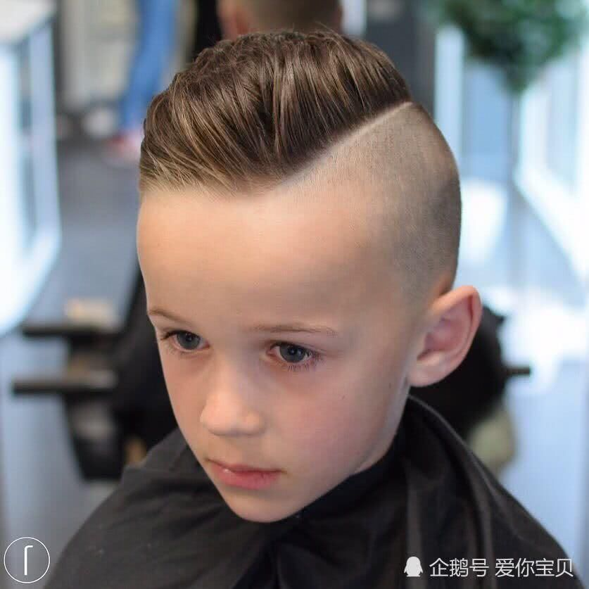 一岁女宝宝发型短发 最近流行的短发图片