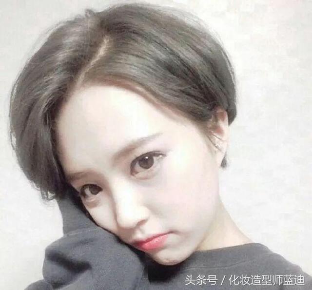 短发发型女圆脸大波浪图片