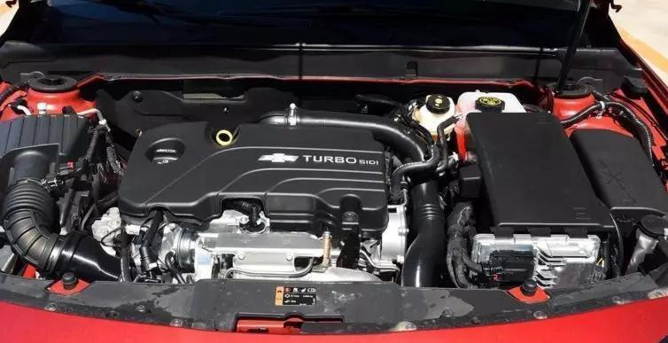 主要投诉问题:发动机故障灯亮,机油含有很多杂质,然而厂家给的方案均