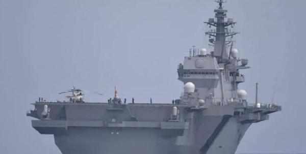 中国南海出现双航母编队 两强国联手挑衅中国