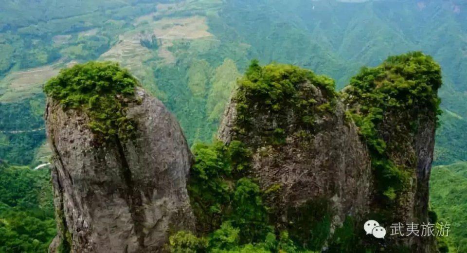 位于政和县东南的佛子山,以其独特神奇秀美的自然景观, 以及突兀而