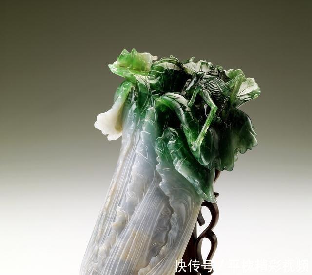 中国的玉白菜精美不亚于台北故宫翠玉白菜卷心菜翠玉