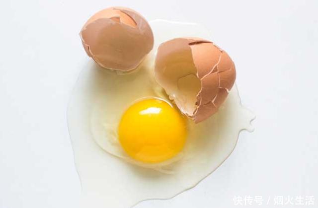 我生下丈夫,表情下药篮土女儿,婆婆当场摔在地你鸡蛋包送来帮图片