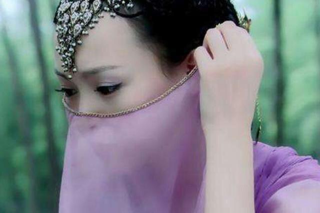 十位戴面纱的古装美女,若你能全部说出名字,就算我输!