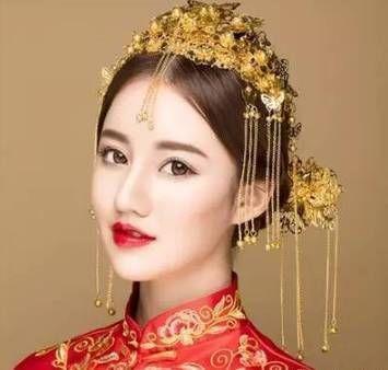 一抹红唇,摇曳生姿,鎏金头饰,演绎着浓郁的传统中国风,端庄大气优雅图片