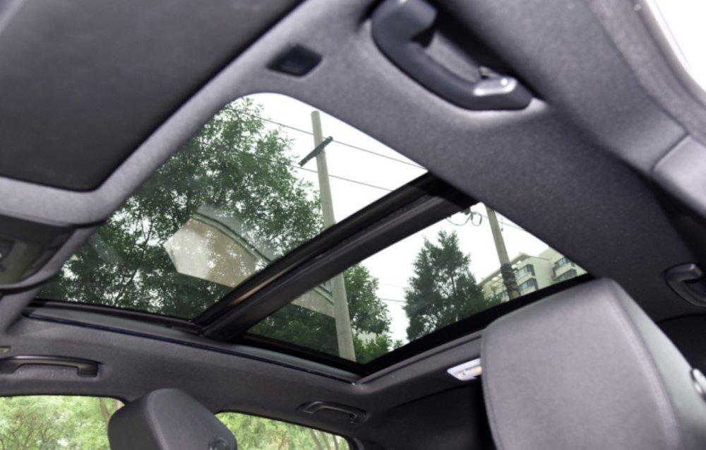 2.0T后驱+8AT,无框门配掀背设计,这款车再不买众邦广告设计图片