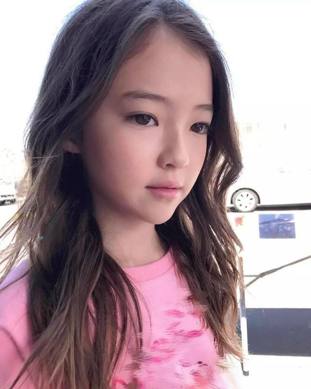 热点|神似宋慧乔,这个10岁美韩混血小姑娘,童颜简直是