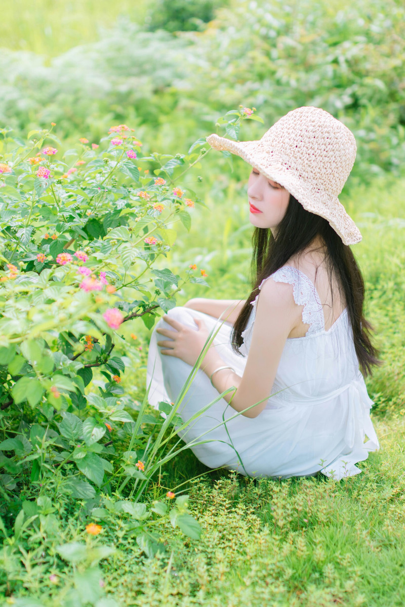 日系小清新美女户外写真