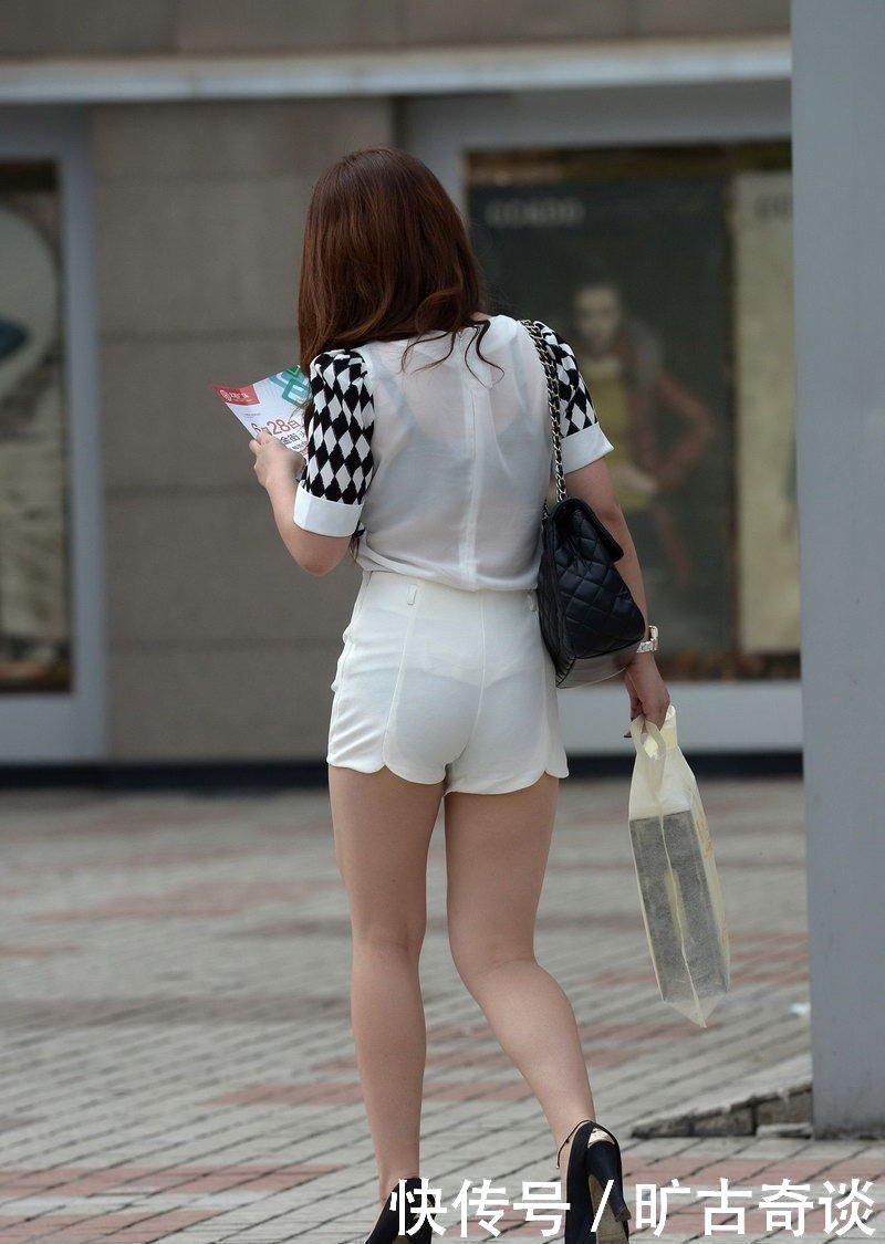 街拍,商场透明热裤丰满的美女,活力无限