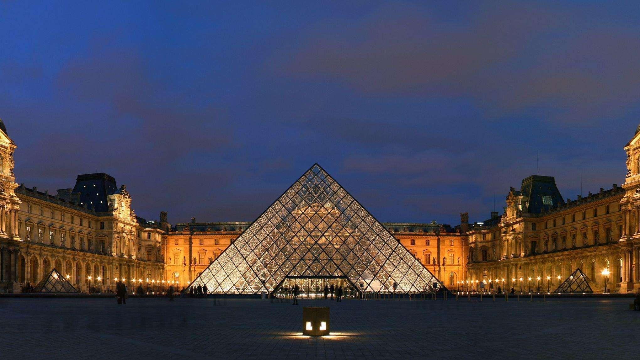 """卢浮宫的设计师贝聿铭说 """"它预示着未来"""",建筑界的评价是 """"它是现代"""