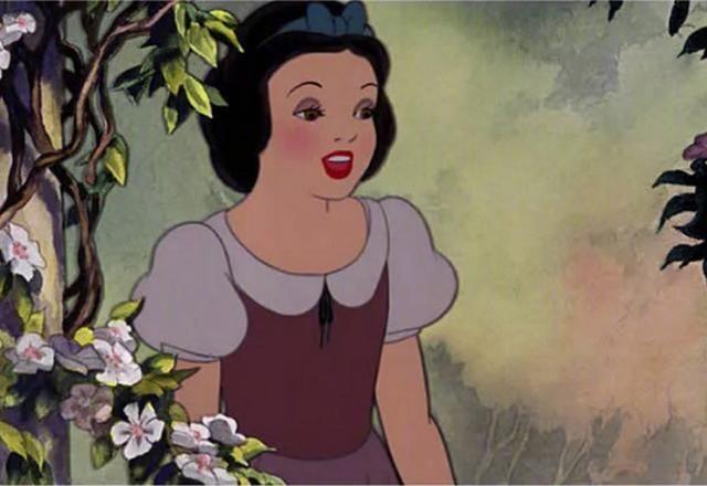 白雪公主出自哪里_当迪士尼的经典角色卸妆之后,睡美人和白雪公主中的巫婆最扎心!