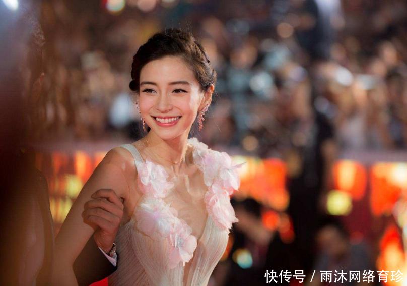 《我的真朋友》杨颖表现太强,表现出一种奇怪的笑容令人尴尬!表演是