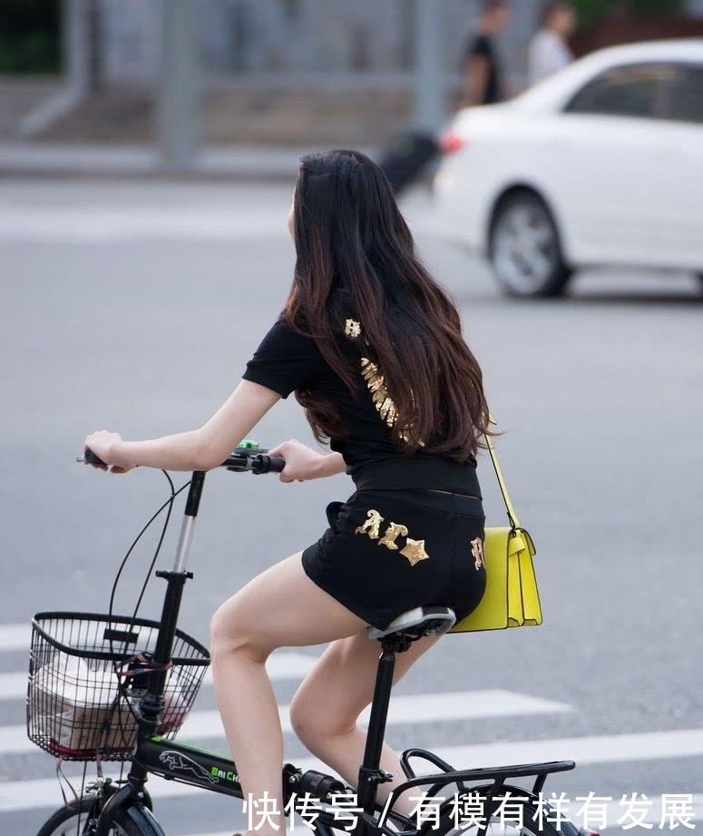 校园seqing_黄色包包,就像大学校园时候的班花,骑着自行车,素颜出行一样可以美美