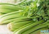 常吃芹菜防癌抗癌, 但千万不能和它一起吃, 轻则腹泻重则中毒