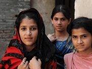 巴基斯坦姑娘来中国旅游: 我坐错了飞机? 怎么感觉到了越南