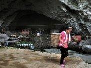 国内唯一一个洞穴部落:全村仅73人全住在洞里,政府动员都不愿搬