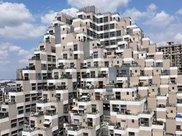 """最独特的""""金字塔大楼"""":探访邻居不用爬楼梯,却被吐槽像公墓?"""