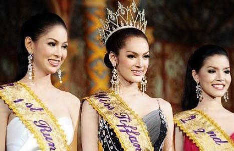 去泰国旅游,如何辨别女人和人妖?