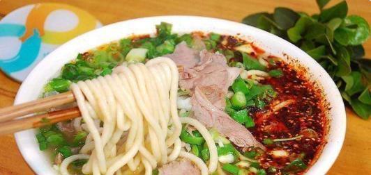 """5道""""汉语八级""""都难念出来的菜名,饸饹面上榜,图5:经常闹笑话"""