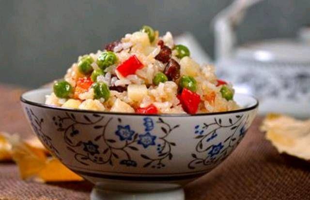 『做饭』夏天不做饭怎么样?想想香肠炖米饭,对懒人来说是必要的!