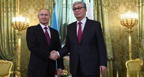 哈萨克斯坦总统邀请普京对哈进行正式访问