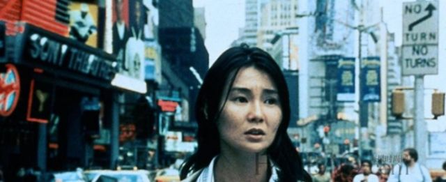 《甜蜜蜜》来到香港的年轻人,想要拼命挣钱,取得一番成就的故事