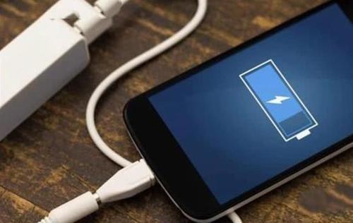 【国产手机】超越小米和OPPO!充电第一的国产手机即将易主,搭载90W超级快充