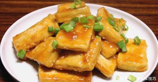 候要温柔:香煎豆腐,一下锅就碎还沾锅大厨错过这一步,手艺再好都白搭!