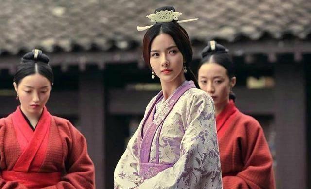 『袁绍』这个女人让曹操父子三人反目,最终被其中一位玩腻了,香消玉殒
