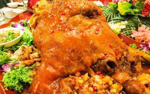 中国独有的草原红牛全牛宴,味蕾大开的美食大餐,竟然不是内蒙