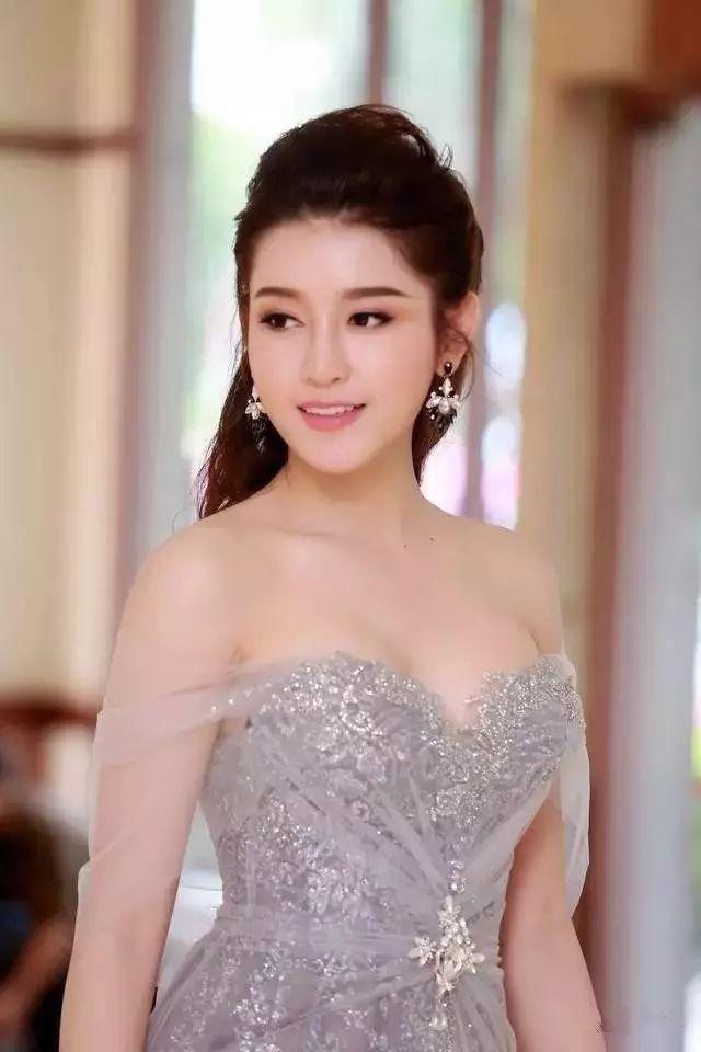 越南小姐阮陈玄眉 来看我 第23张