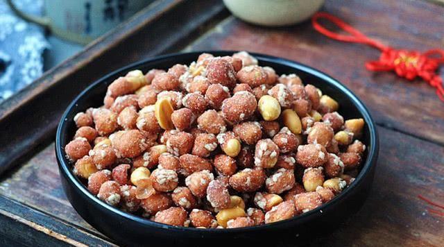 『连渣』花生这样做比油炸花生更香更酥脆,健康不上火,上桌连渣都不剩