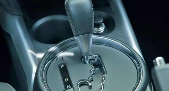 为什么AT、CVT变速箱颇受日系车喜爱,而双离合变速箱却被嫌弃?