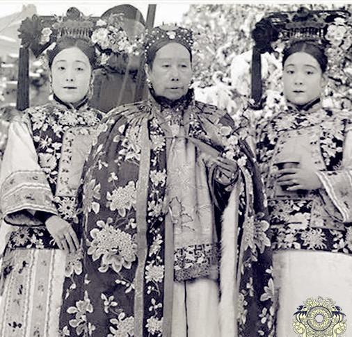 「漂亮」直击清朝宫女的真实容貌:图二是慈禧身边的两姐妹,图七清秀漂亮
