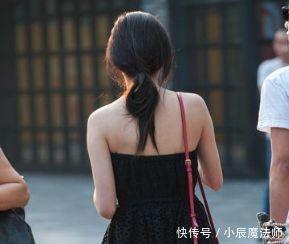 街拍:丰腴性感的小姐姐,简约而不简单,是别样的风采