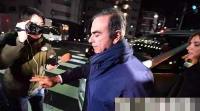 前日产董事长藏身乐器箱逃离日本!电影都不敢这么拍