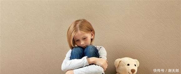 #常在孩子面#家长的这四种行为,有可能会让孩子变得自卑,家长得先改改