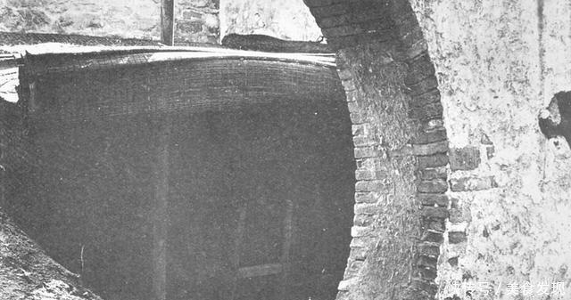 """『老照片』1900年老照片""""庚子国变""""中的肃亲王府,被炮火夷为平地"""