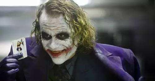 希斯莱杰之后再无小丑?小丑大电影口碑爆棚,DC粉扬眉吐气