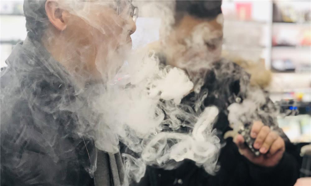【丧命】染病丧命,巨头被查,电子烟迎来至暗时刻?