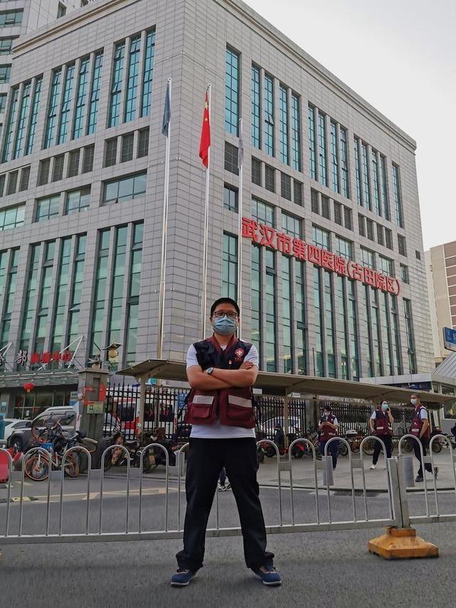 他是1800多人的总管家,曾为买141双鞋,在武汉跑了三天