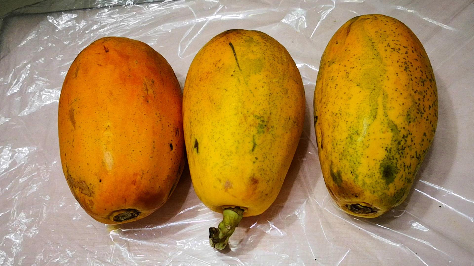 """老板:买木瓜时,一定要先""""1掂3看"""",老板一看是懂行的,不敢糊弄你"""