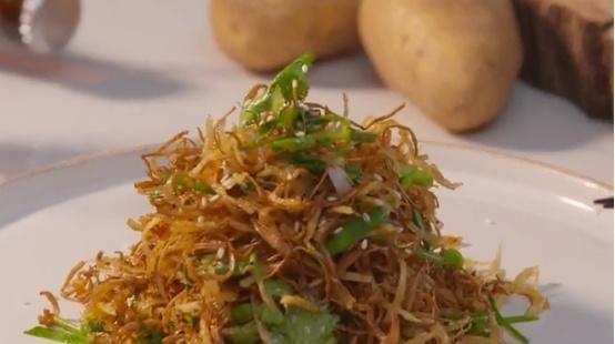 [土豆丝]烧汁土豆茶树菇一道制作简单的菜,也能吃出花样